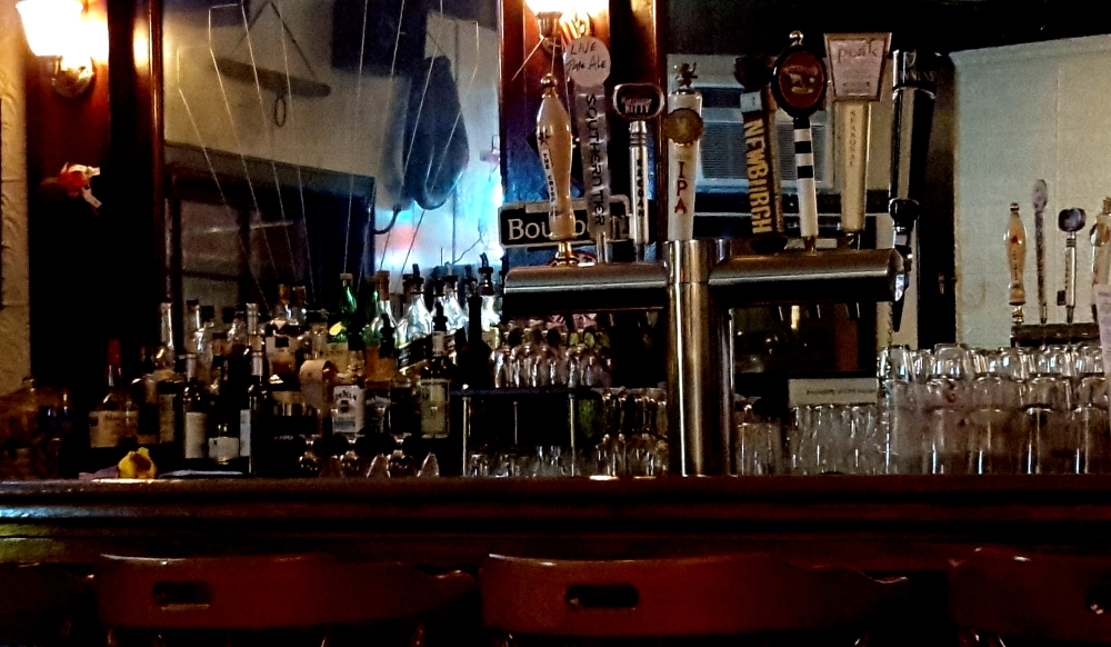 dougs-pretty-good-pub-cold-spring-ny-bar-and-beer-taps